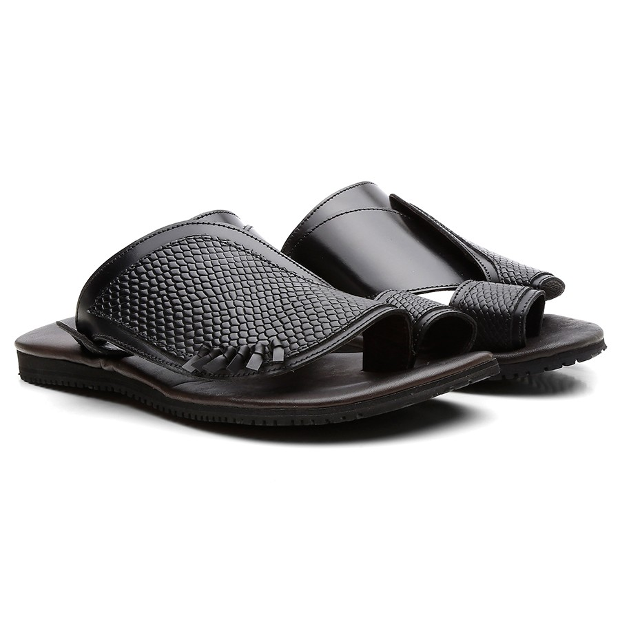 1cd53eb67 حذاء شرقي أسود